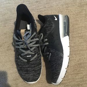Nike AirMax Sequent 3 Women Size 6